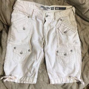 🔵D52S White Miss Me Bermuda Cargo Shorts